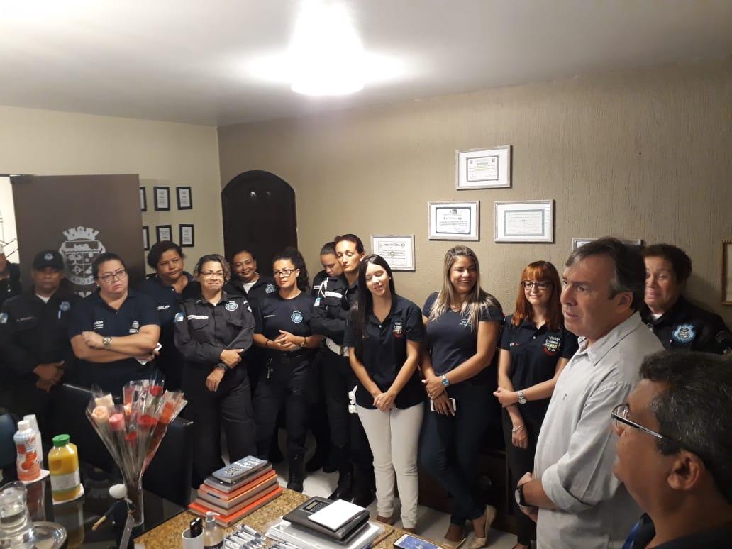 e524d98eda5 Prefeito Dr. Adriano Moreno homenageia servidoras públicas pelo Dia  Internacional da Mulher